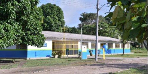 Governo revitaliza e entrega escola estadual no Baixo Rio Branco