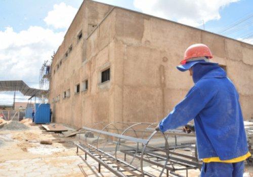 1º DP - Encontrada três anos parada, obra avança em Boa Vista